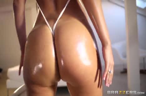 Масляная красотка Franceska Jaimes шикарно трахается в задницу