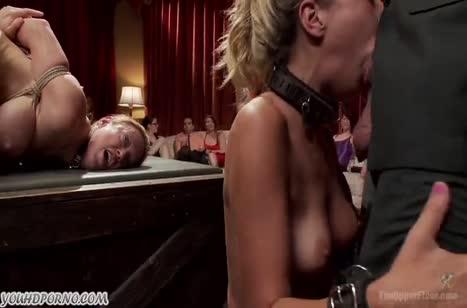 Блондинистые шлюшки устроили БДСМ групповое порно №1