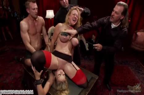 Блондинистые шлюшки устроили БДСМ групповое порно №4
