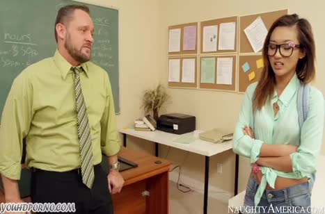 Студентка Alina Li соблазнила препода поставить зачет